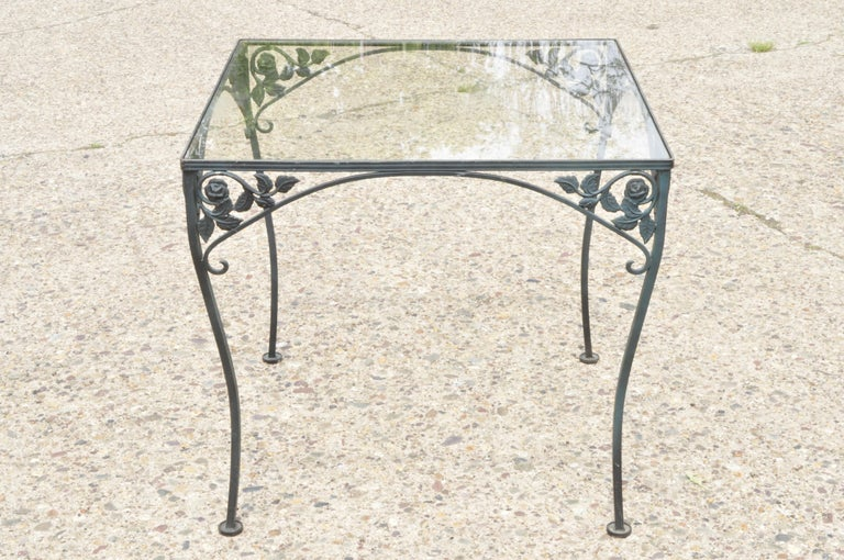 Woodard Chantilly Rose Green Garden Patio Dining Set of 4 Chairs & Square Table In Good Condition In Philadelphia, PA