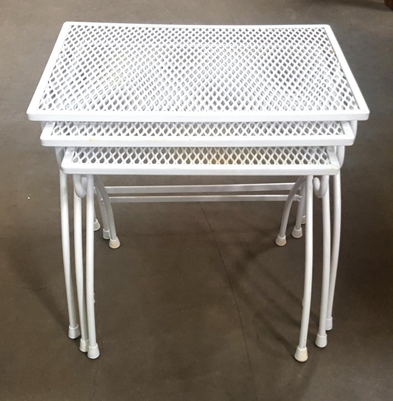 Woodard Mesh Steel Outdoor Patio Nesting Side Tables Set