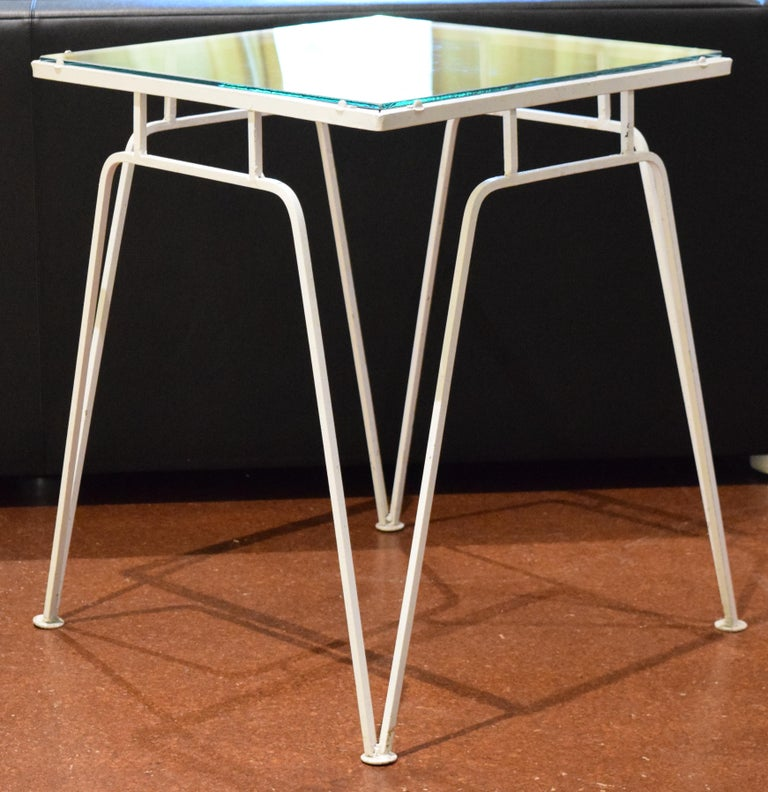 Mid-Century Modern Woodard Occasional Table For Sale