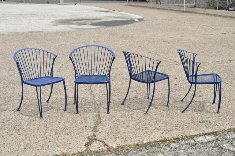 Mid-Century Modern Woodard Pinecrest Blue Wrought Iron 5pc Patio Garden Dining 4 Chairs Round Table For Sale