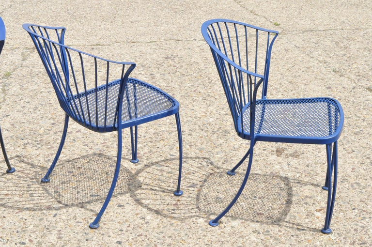 Woodard Pinecrest Blue Wrought Iron 5pc Patio Garden Dining 4 Chairs Round Table In Good Condition For Sale In Philadelphia, PA