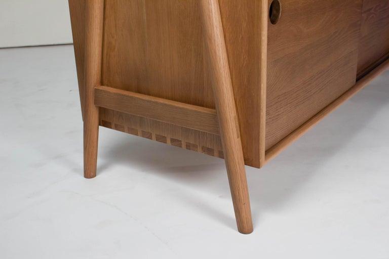 Mid-Century Modern Woodbine Sideboard, Sienna, Midcentury Sideboard in Wood For Sale