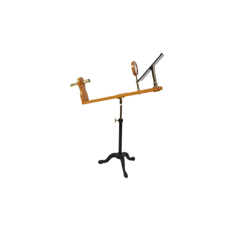 Wooden and Brass Polarimeter with Cast Iron Tripod Base from the Late 1800s In Good Condition For Sale In Milan, IT