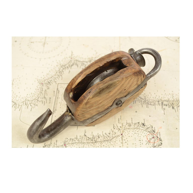 Wooden Block Complete with Ring with Iron Pulley, 1850 For Sale 9