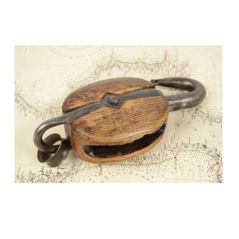 Wooden Block Complete with Ring with Iron Pulley, 1850 For Sale 1