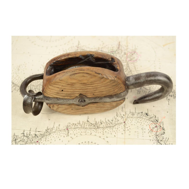 Wooden Block Complete with Ring with Iron Pulley, 1850 For Sale 2