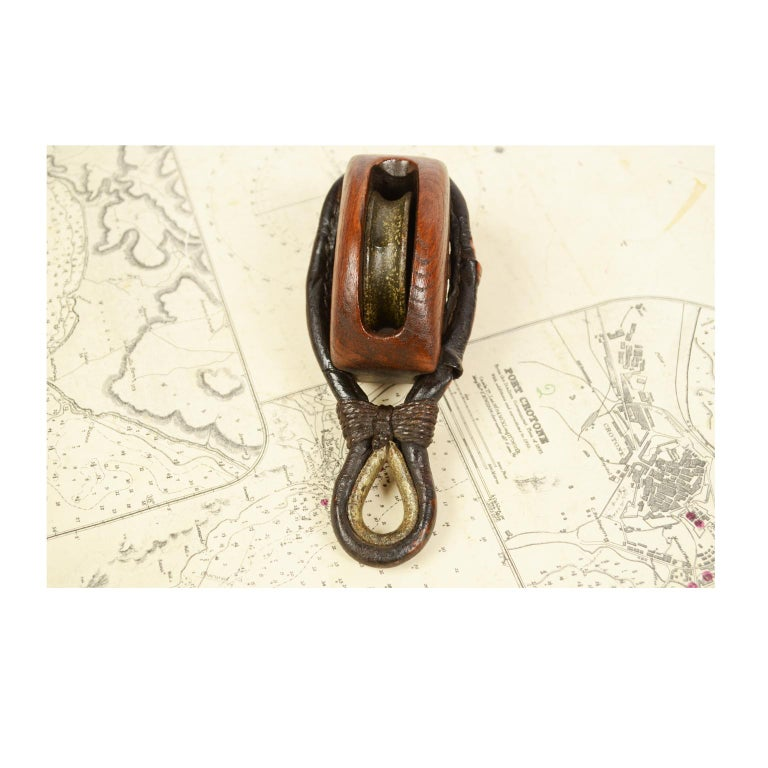 Wooden Block Complete with Ring with Iron Pulley, 1870  For Sale 4