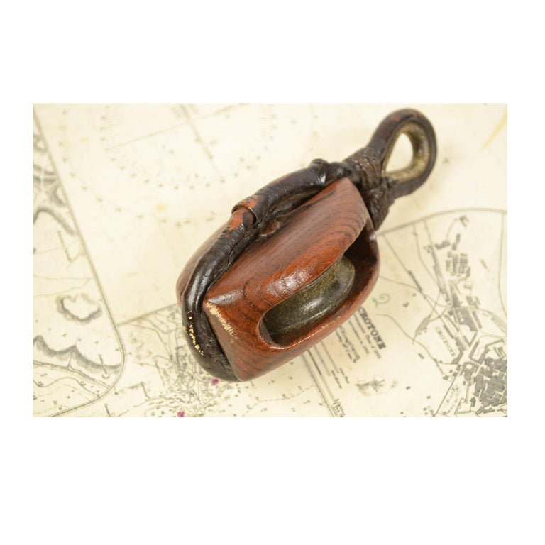 Wooden Block Complete with Ring with Iron Pulley, 1870  For Sale 3