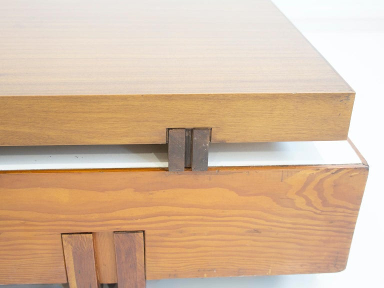 20th Century Wooden Center Table Attributed to Armo Scarpa For Sale
