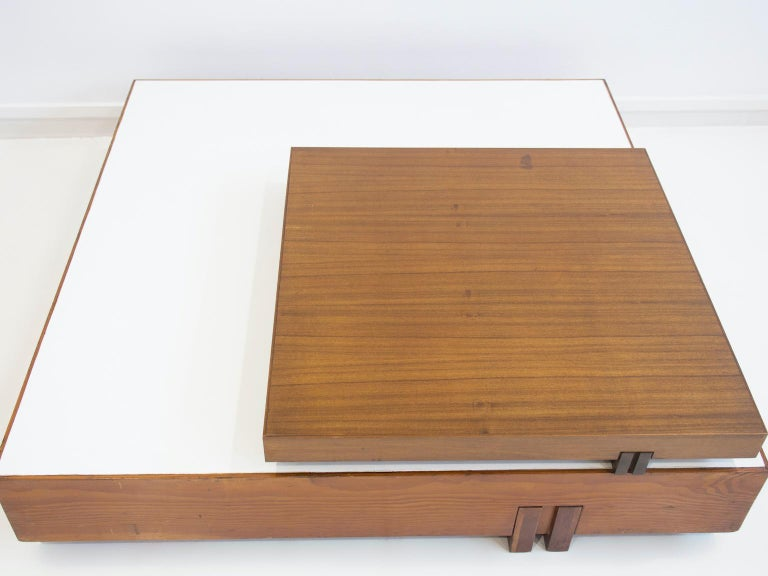 Wooden Center Table Attributed to Armo Scarpa For Sale 1