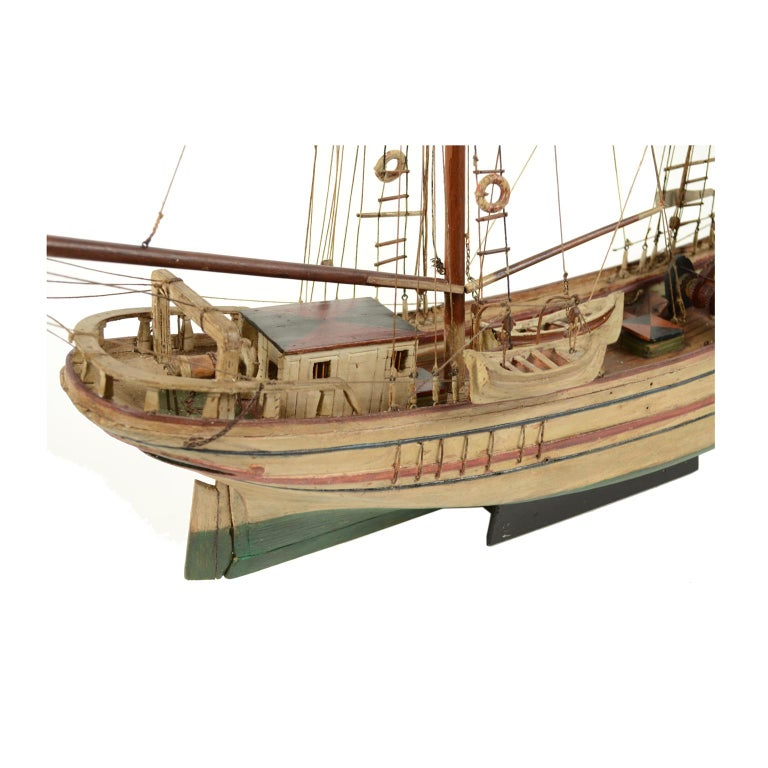 Wooden Model of a Ship 1915 circa In Good Condition For Sale In Milan, IT