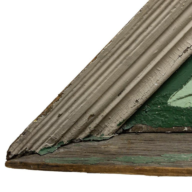 Wooden Sunburst Pediment In Fair Condition For Sale In Aurora, OR