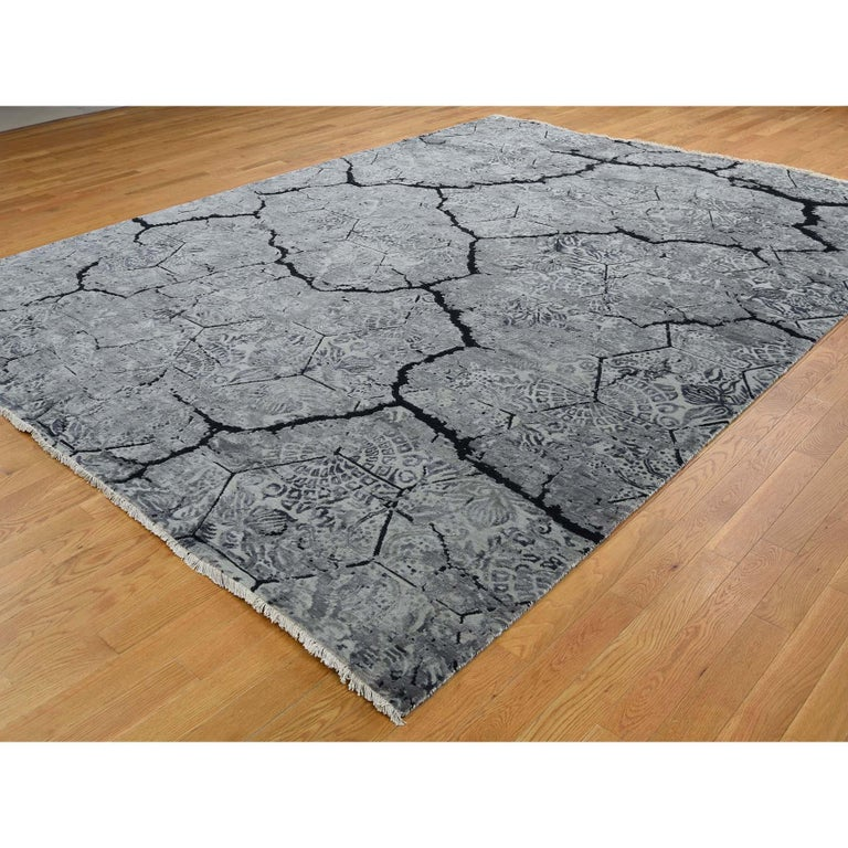 Wool and Silk Earth Design Hand Knotted Oriental Rug For Sale 1