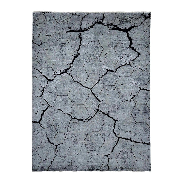 Wool and Silk Earth Design Hand Knotted Oriental Rug For Sale