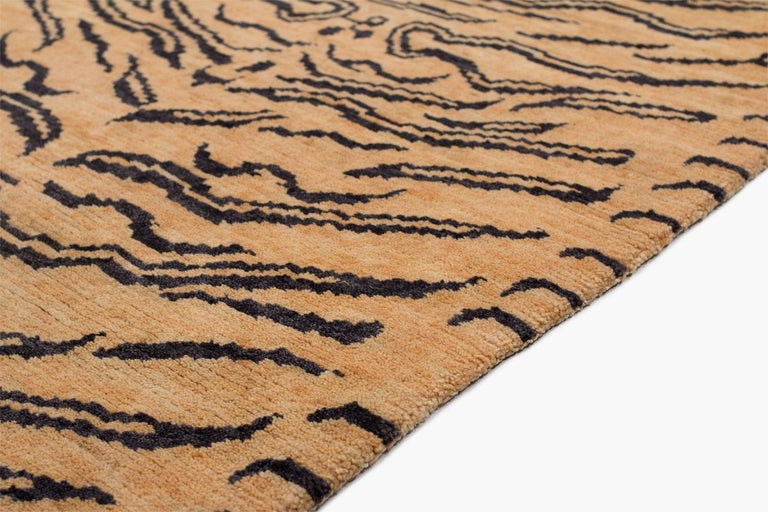 Wool Tibetan Tiger Rug by Carini In New Condition For Sale In New York, NY