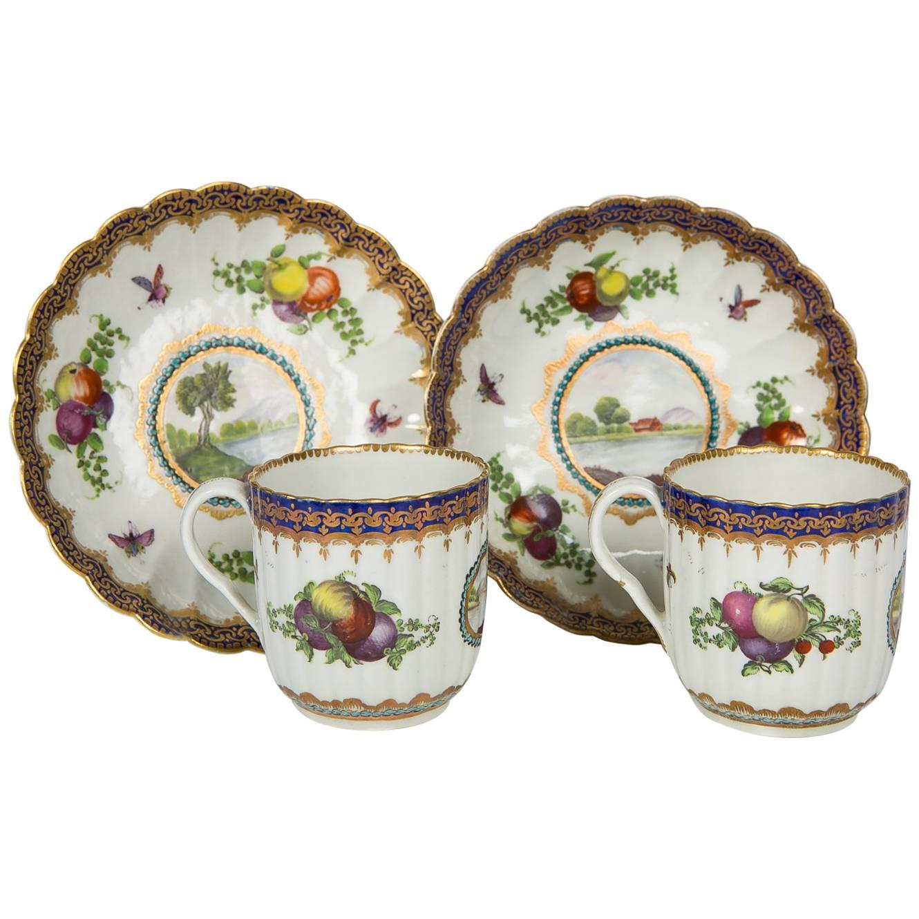 Worcester Porcelain 18th Century Cups and Saucers Pair in 'Dalhousie' Pattern