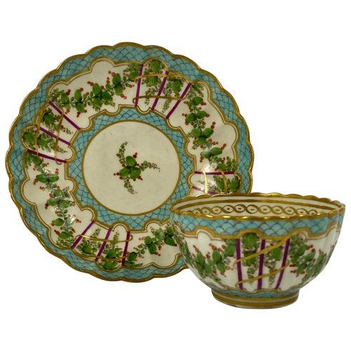 Worcester Porcelain 'Hop Trellis' Teabowl and Saucer, circa 1770