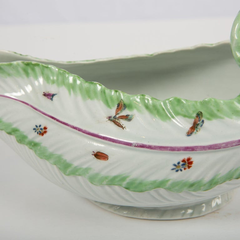 Worcester Porcelain Sauceboat, Made in England, 18th Century For Sale 4
