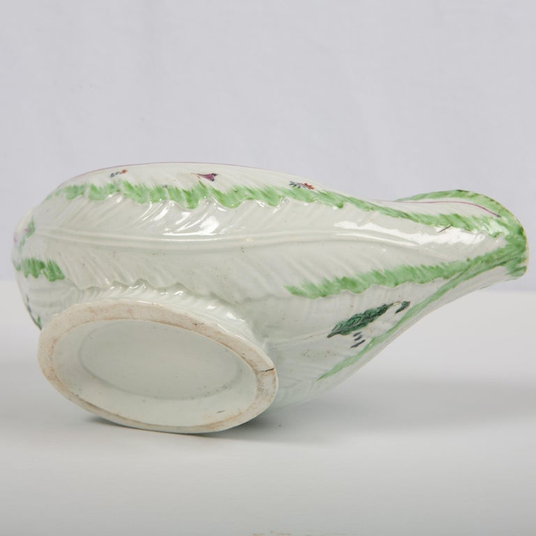 Worcester Porcelain Sauceboat, Made in England, 18th Century For Sale 6