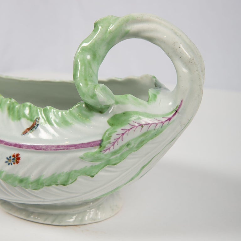 English Worcester Porcelain Sauceboat, Made in England, 18th Century For Sale