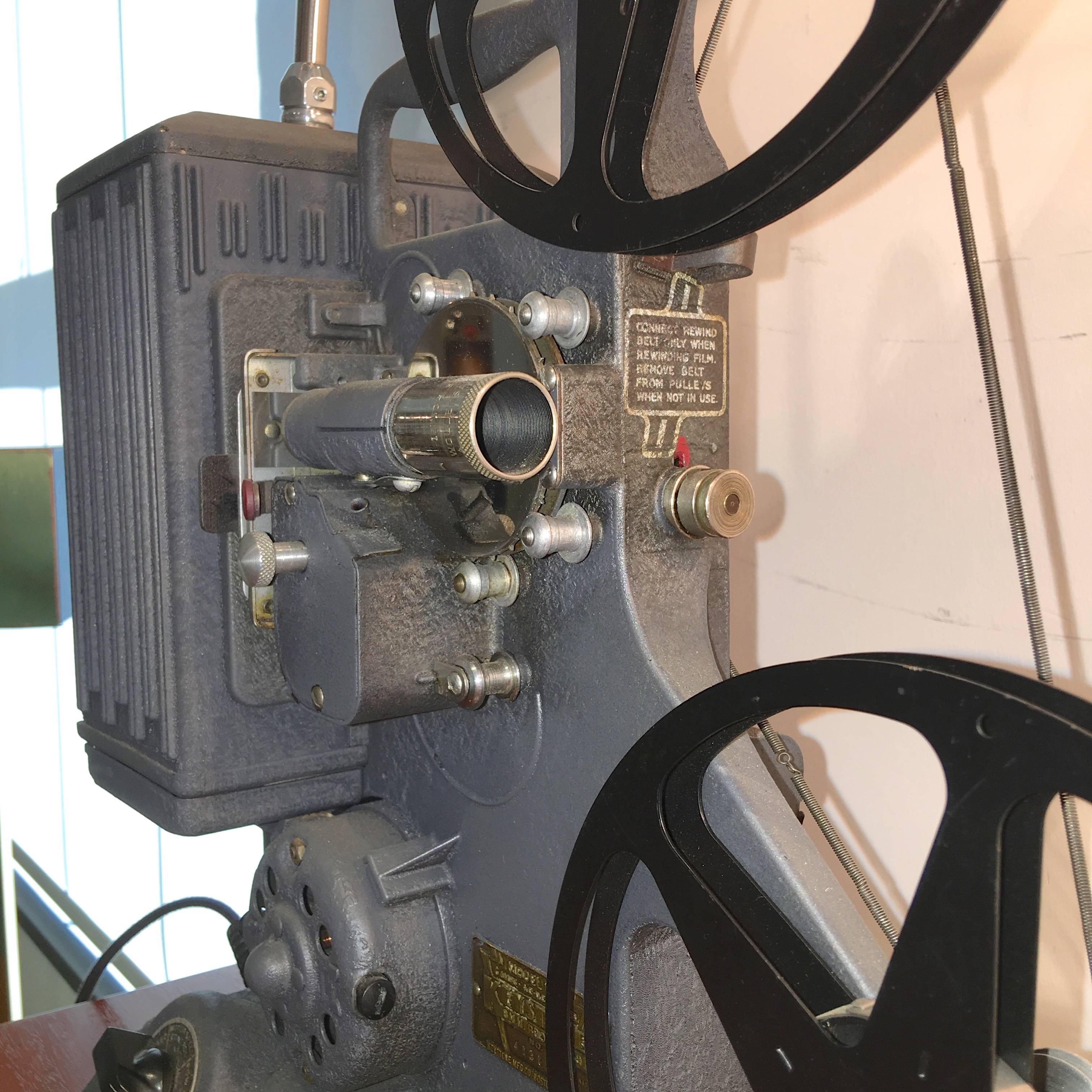 Working 1939 Keystone Model R-8 8mm Projector Lamp
