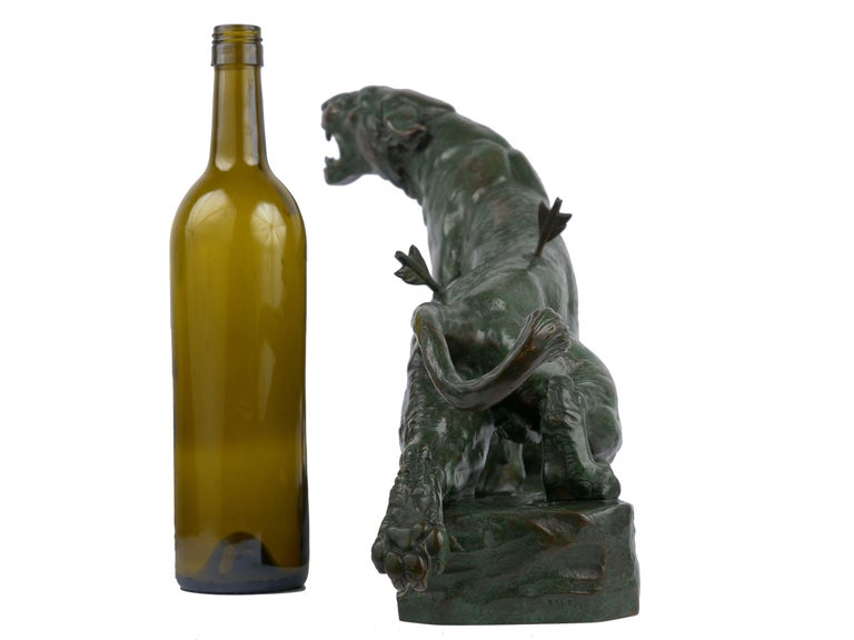 """""""Wounded Lioness"""" French Antique Bronze Sculpture by Charles Valton In Good Condition For Sale In Shippensburg, PA"""