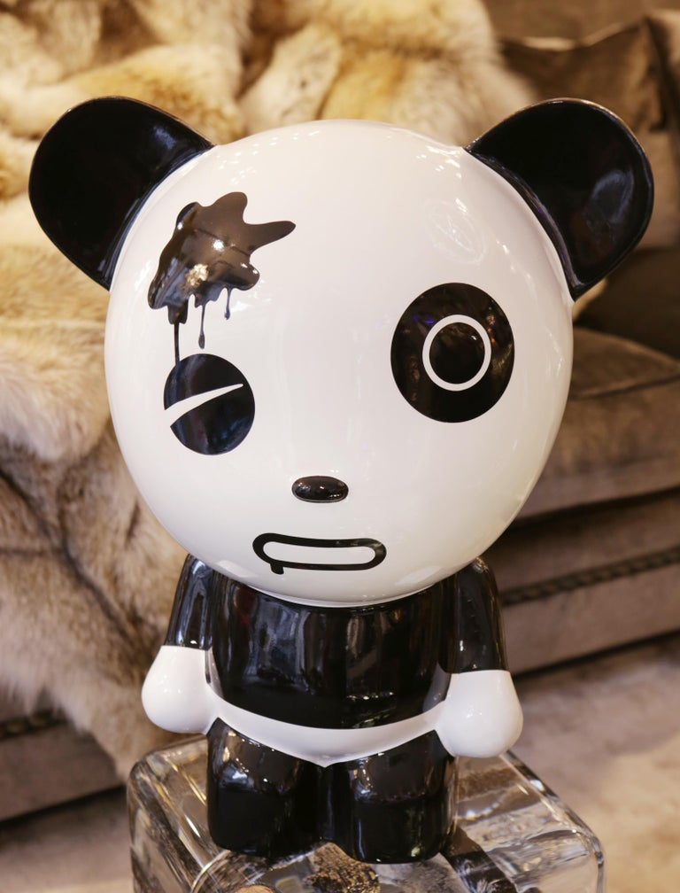 Sculpture wounded panda by artist Jiji, In lacquered painted resin. Limited edition and signed piece. Under Wooden painted box.