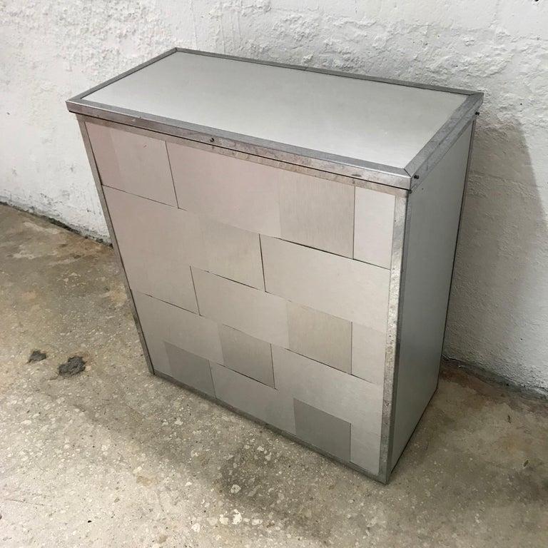 Aluminum woven laundry chest or hamper