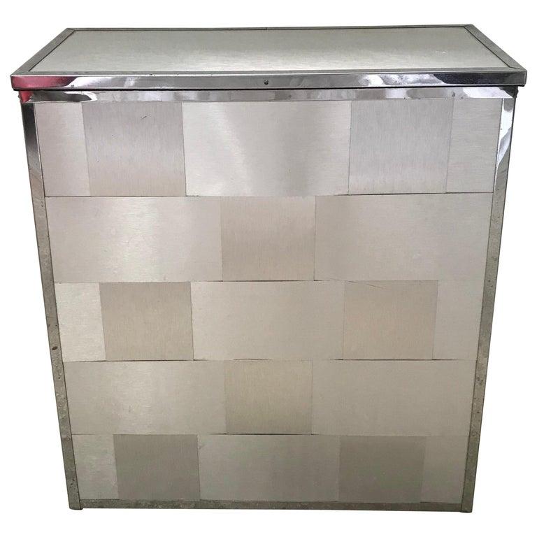 Gewebtes Aluminium Waschekorb Kommode Im Angebot Bei 1stdibs
