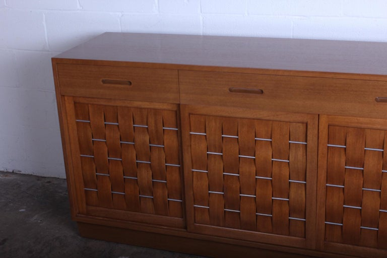 Woven Front Cabinet by Edward Wormley for Dunbar For Sale 3