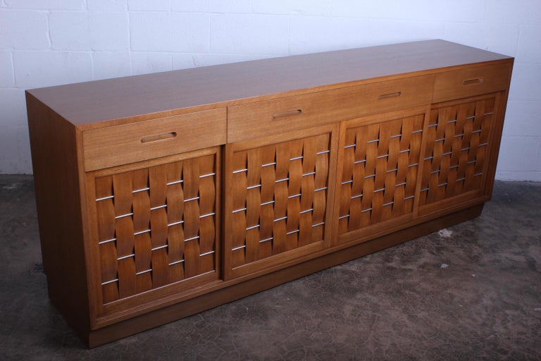 Woven Front Cabinet by Edward Wormley for Dunbar For Sale 4