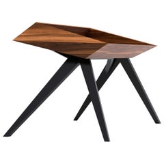 Wow Desk by Alexandre Caldas