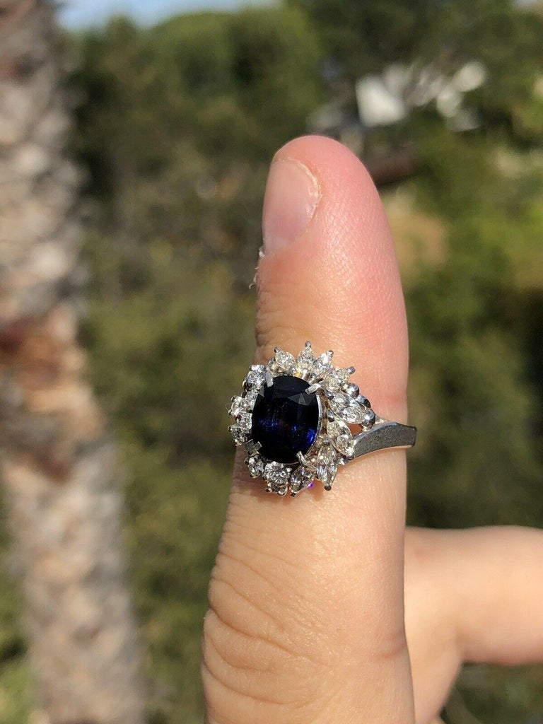 Wow Platinum Natural Sapphire & Diamond Ring 3.25ctw 6.8g     Beautiful sapphire & diamond ring   Very elegant for everyday wear !!   Approx 0.70 ctw of diamonds H SI  Sapphire size approx ct 2.55    100% NATURAL   Size 6  Weight 6.8 grams