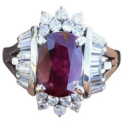 Platinum Natural Ruby and Diamond Ring 2.91 Carat 9.7g