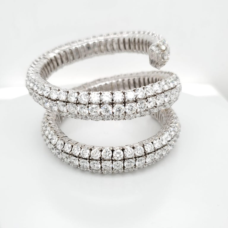 Wrap Around Flex Bangle Bracelet with Diamonds In New Condition For Sale In New York, NY