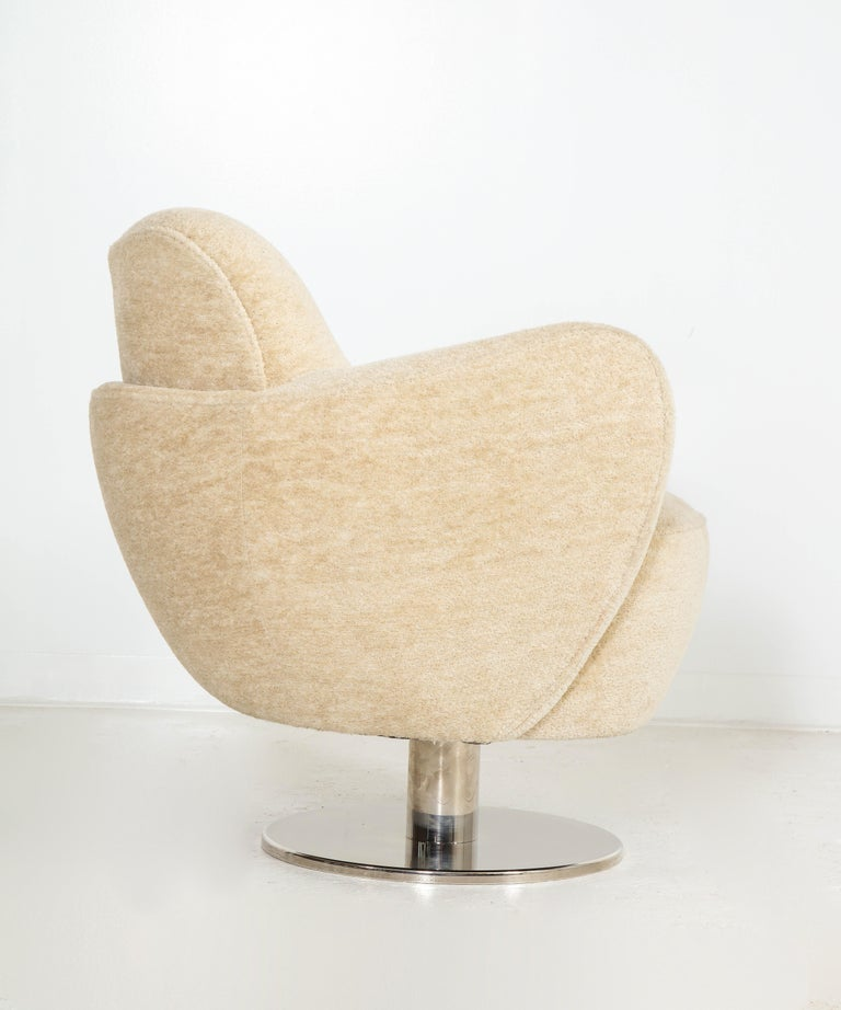 Wrap Around Swivel Barrel Chair Offered by Vladimir Kagan Design Group In Good Condition For Sale In Clifton, NJ