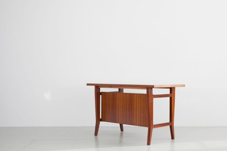 Italian Writing Desk Designed by Gio Ponti / Scirolli, Italy, 1960s For Sale