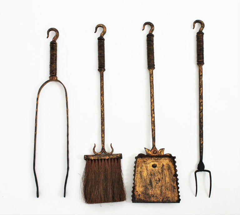 Wrought Iron Gilt Gothic Revival Fireplace Tool Set on Stand, Spain 19th Century For Sale 5