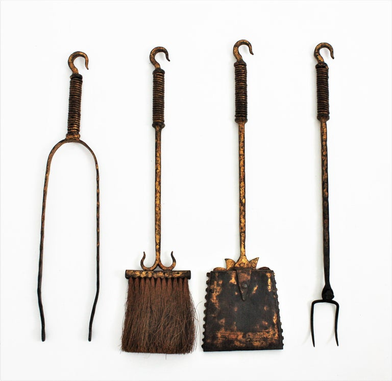 Wrought Iron Gilt Gothic Revival Fireplace Tool Set on Stand, Spain 19th Century For Sale 6