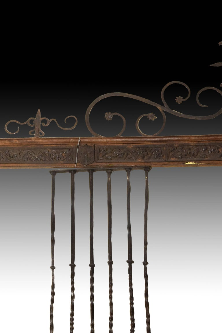 Spanish Wrought Iron Grille, Spain, 16th Century For Sale