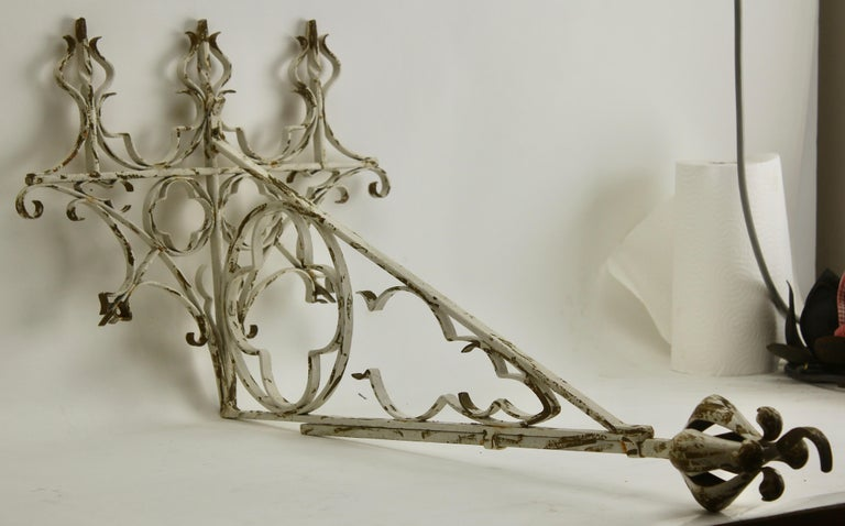 Wrought Iron Handcrafted and Smithed Wall-Bracket for Lantern or Sign For Sale 4
