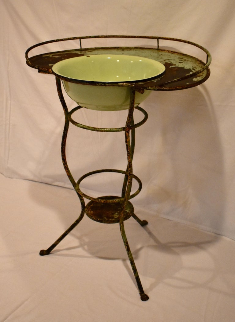 Wrought Iron Tripod Washstand with Enameled Copper Bowl In Good Condition For Sale In Kensington, MD