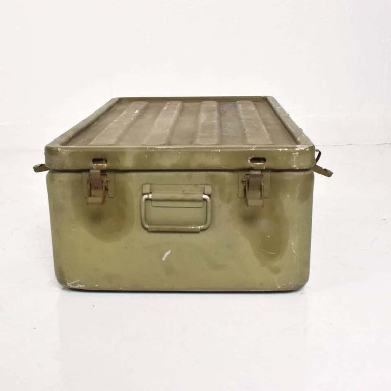 WWII Military Surplus Large Metal Latch Lock Box Aluminum Vintage in Army Green In Distressed Condition For Sale In National City, CA
