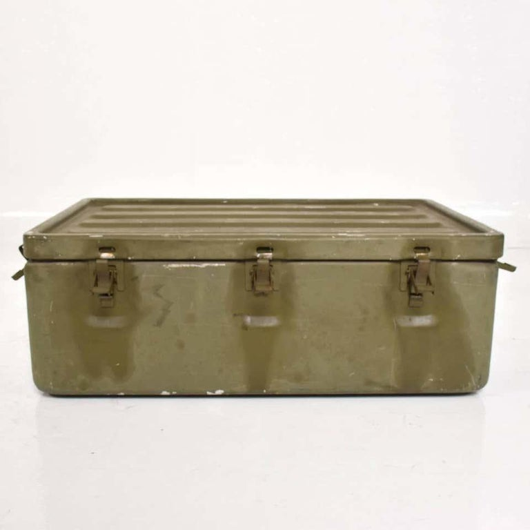 WWII Military Surplus Large Metal Latch Lock Box Aluminum Vintage in Army Green For Sale 1