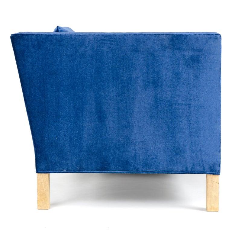 Contemporary Wyeth Original Thin Frame Tuxedo Sofa For Sale
