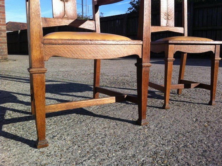 Wylie & Lochhead, Set of Four Arts & Crafts Oak Dining Chairs with Leather Seats For Sale 4