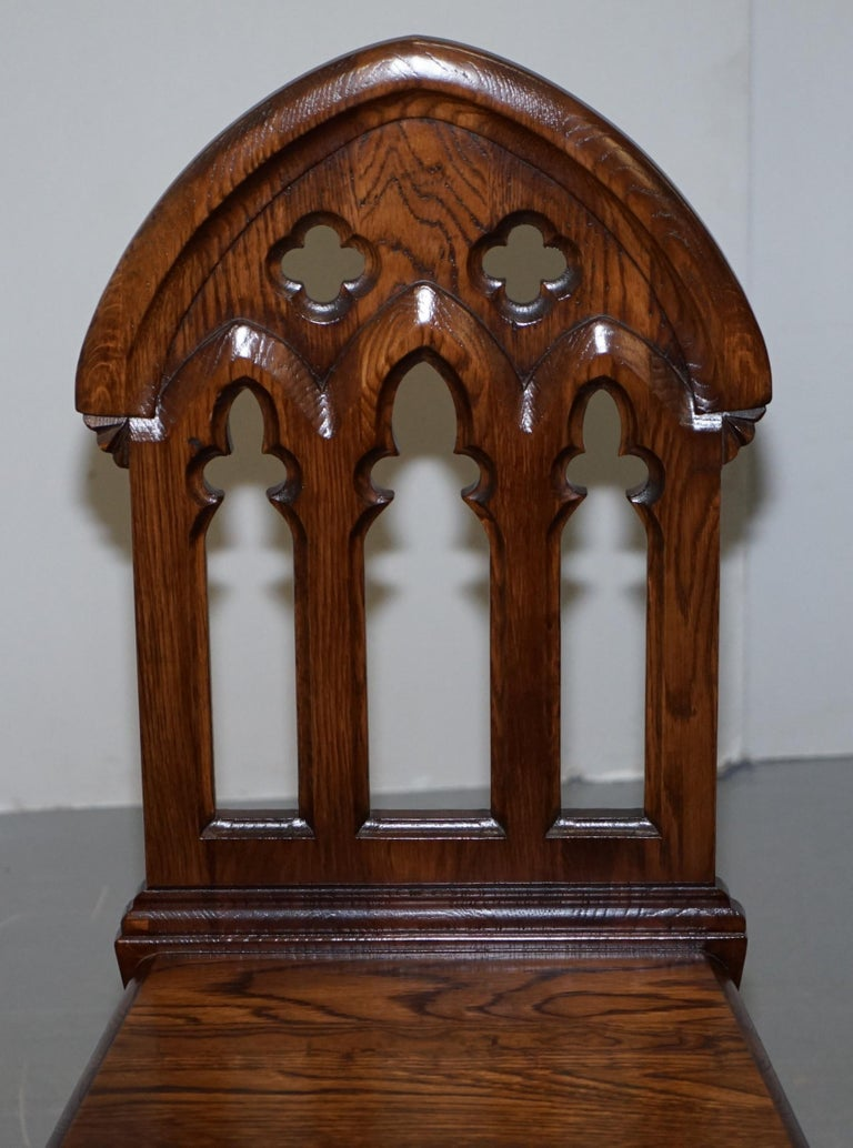 4 English Oak Gothic Steeple Back Dining Chairs Augustus Pugin Style Carving In Good Condition For Sale In London, GB
