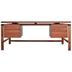 """""""Xilte"""" Desk"""