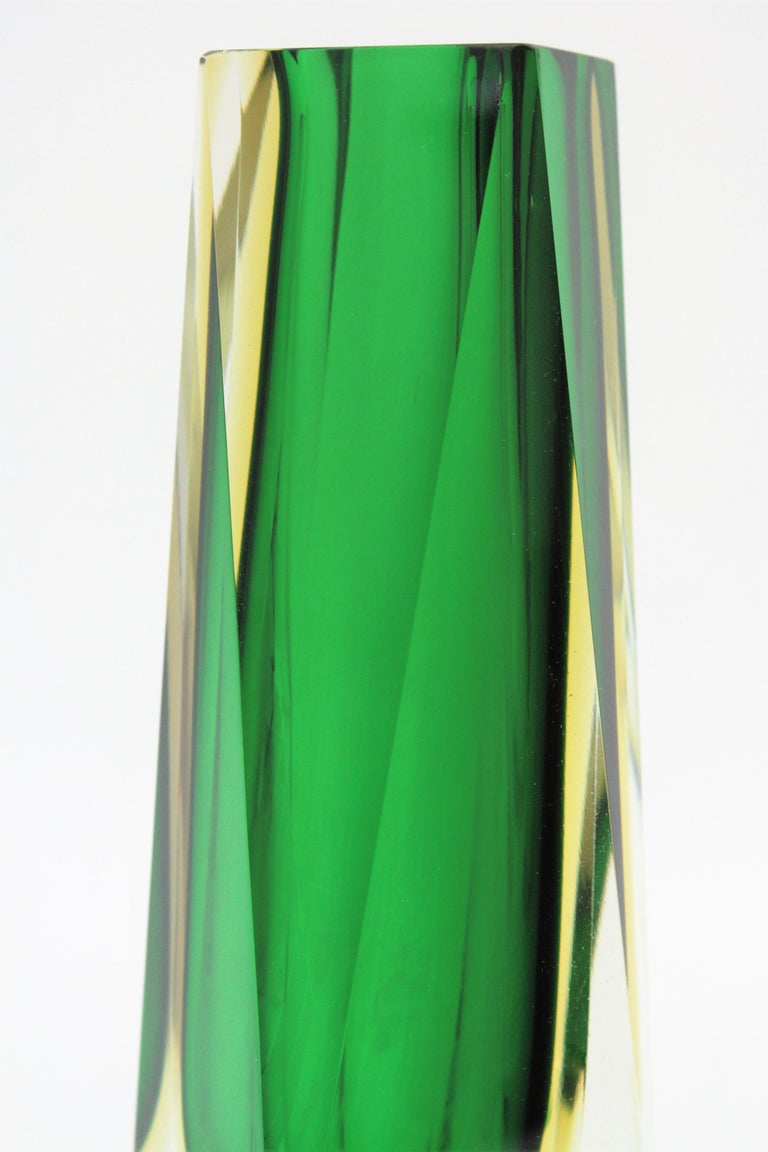 Extra Large Mandruzzato Murano Sommerso Green Black Yellow Faceted Glass Vase For Sale 3