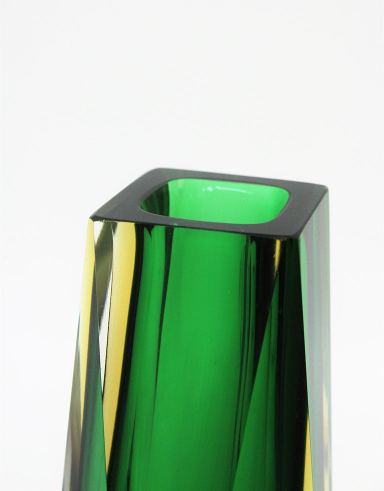 Extra Large Mandruzzato Murano Sommerso Green Black Yellow Faceted Glass Vase For Sale 4